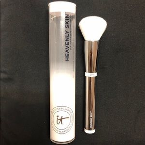 IT COSMETICS HEAVENLY SKIN PERFECTING BRUSH #702